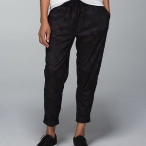 Lululemon Jet Crop Pants